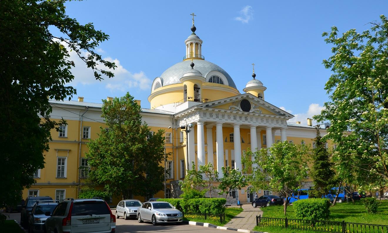 hram-blagovernogo-tsarevicha-dmitriya-4.