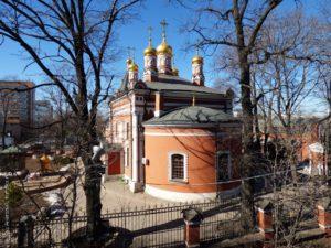 Храм Рождества Пресвятой Богородицы и крестильный храм свт. Филарета Московского во Владыкине