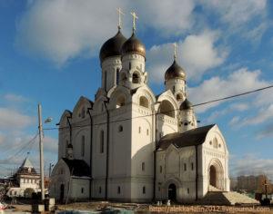 Храм Серафима Саровского и крестильный храм в Раеве