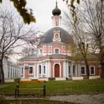 hram-velikomuchenitsyi-ekaterinyi-na-vspole