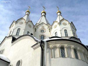 Храмы Новомучеников и Исповедников Российских и Воскресения Христово в Бутове