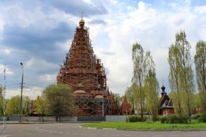 Храм Всех Святых и Серафимовская церковь